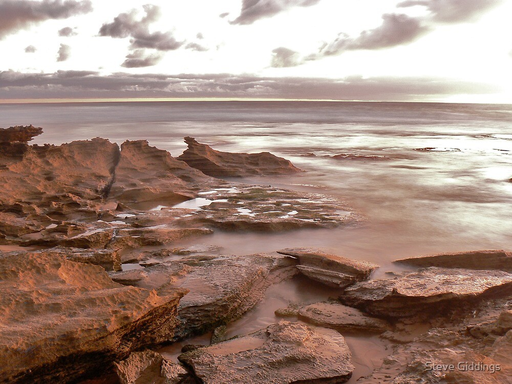 Beach at sunset by Steve Giddings