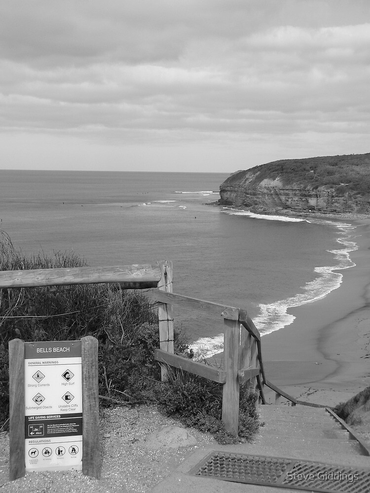 Bells Beach by Steve Giddings