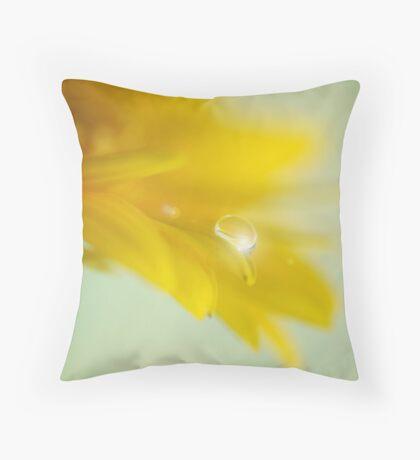 Lemon feeling Throw Pillow