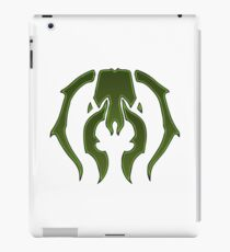 A Black Green Insect iPad Case/Skin