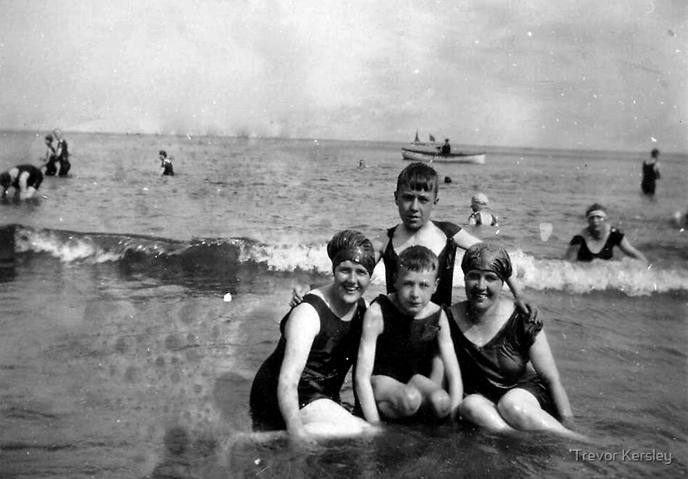 Scarborough Beach - July 1927 by Trevor Kersley