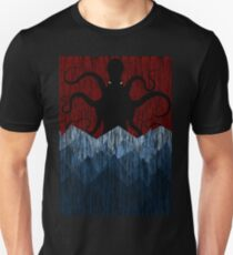 Cthulhu's sea of madness - Red T-Shirt