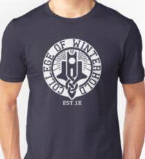 Hochschule Winterhold Est. 1E (weiß) Slim Fit T-Shirt