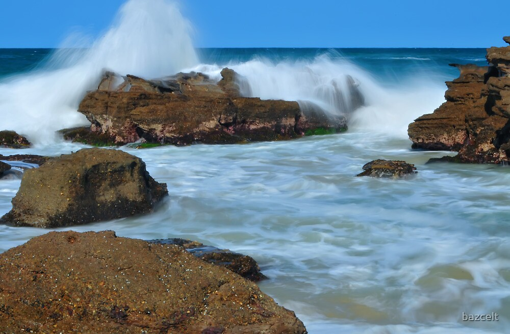 Surging Sea by bazcelt