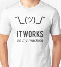 It Works On My Machine Lustiges schwarzes Design für Programmierer/Entwickler Slim Fit T-Shirt
