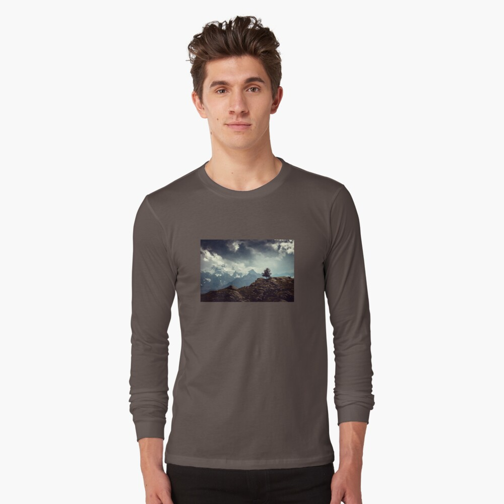 Majestic Mountains and a lone tree Long Sleeve T-Shirt