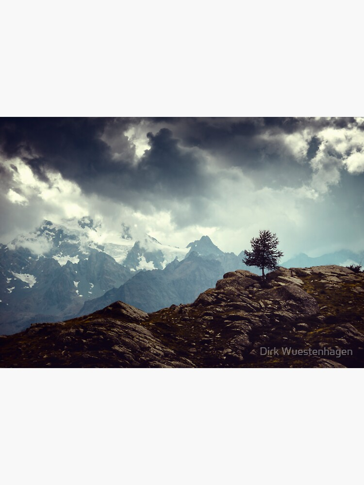 Majestic Mountains and a lone tree by DyrkWyst