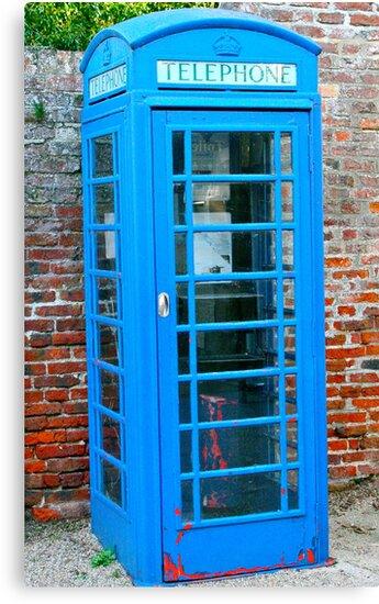 Blue telephone box by lendale