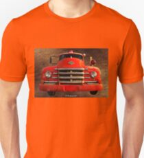 1955 Diamond T Grille - The Cadillac Of Trucks T-Shirt