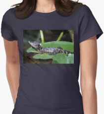 Smiling Baby Alligator Sleeping on Lilly Pad Women's Fitted T-Shirt