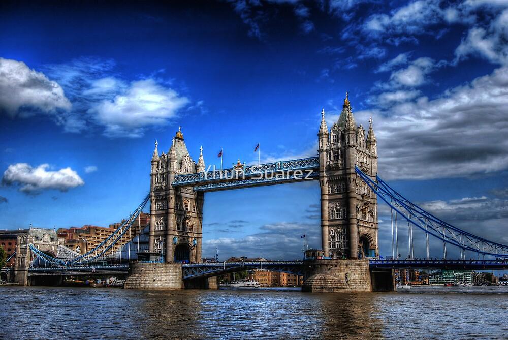 London Tower Bridge by Yhun Suarez