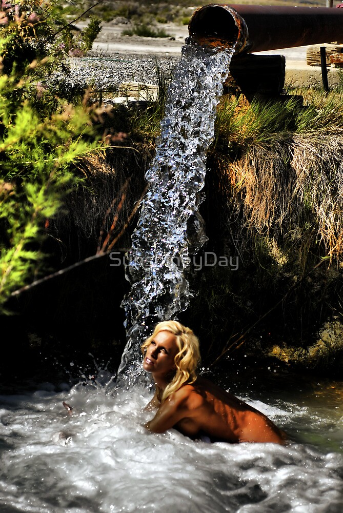Skinny Dipping by SunshineyDay