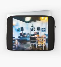 1220 Center Stage Laptop Sleeve