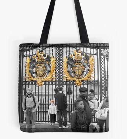 Golden Gates: Buckingham Palace, London. UK. Tote Bag