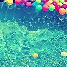 Un arcoiris de globos by Constanza Barnier