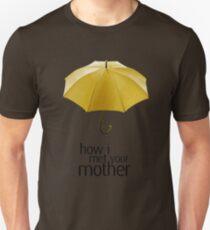 Yellow Umbrella. How I Met Your Mother. T-Shirt