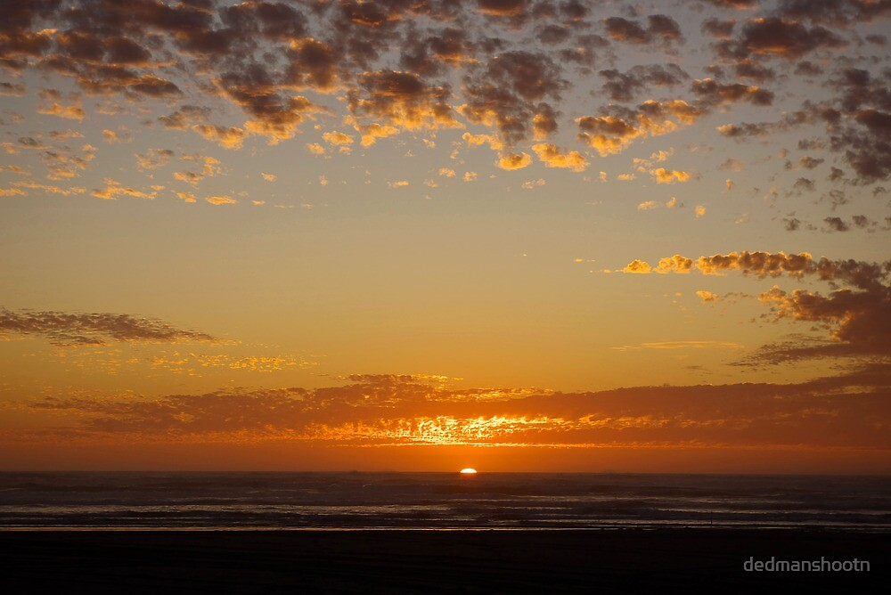 last light at grayland, wa, usa by dedmanshootn