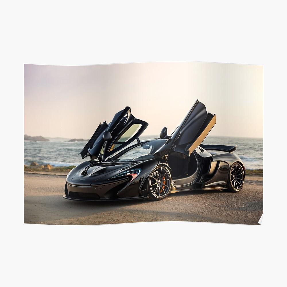 McLaren P1 sentado junto al mar Póster