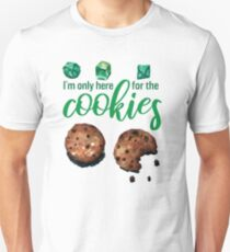 I'm only here for the cookies and dice - green Slim Fit T-Shirt