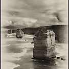 Twelve Apostles, Australia by peterperfect