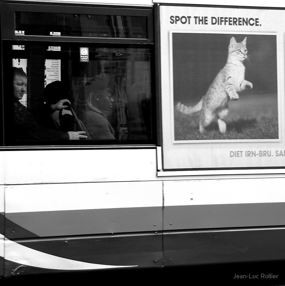 Edinburgh - Spot the difference by Jean-Luc Rollier