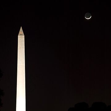Moon over Monument by rudavis