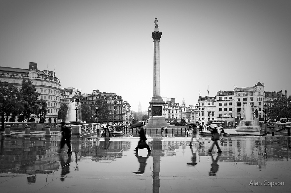 London. Trafalgar Square in the rain. (Alan Copson ©) by Alan Copson
