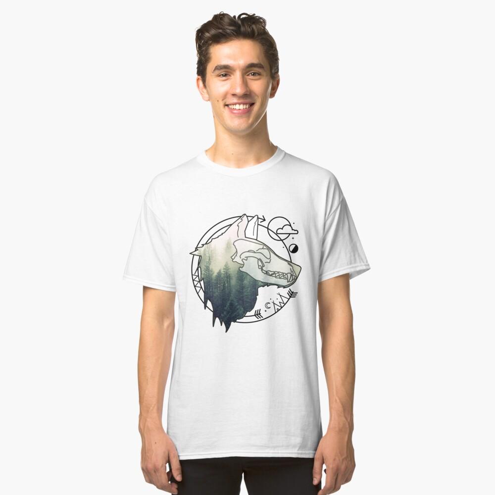 Wolf animal forest totem skull art Classic T-Shirt