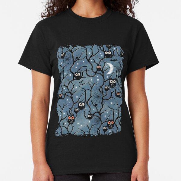 Spooky woods owls Classic T-Shirt