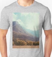 Mountains in the background V Unisex T-Shirt