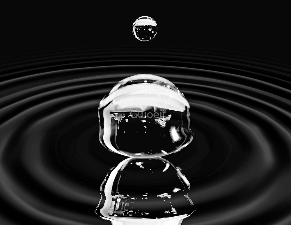 A drop that forms the ocean. by Gwoeii