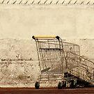 Empty & alone by Karlientjie
