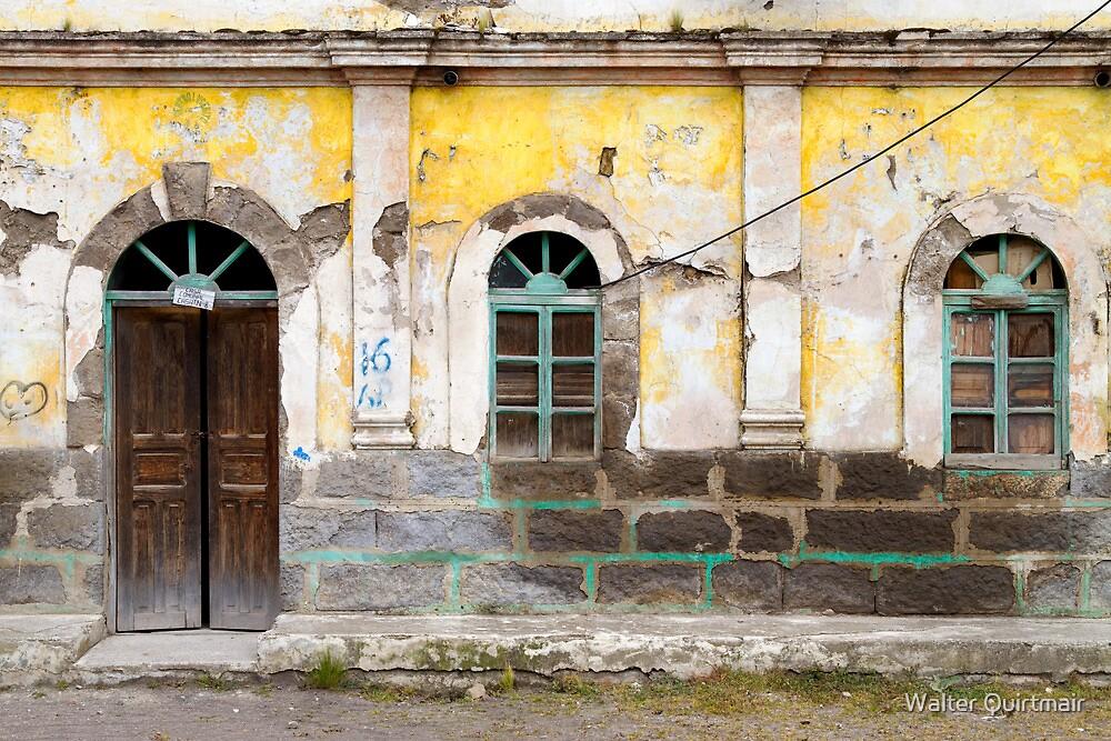 Casa Comunal N-8 by Walter Quirtmair