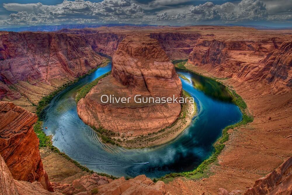 Horse shoe bend Arizona by Oliver Gunasekara