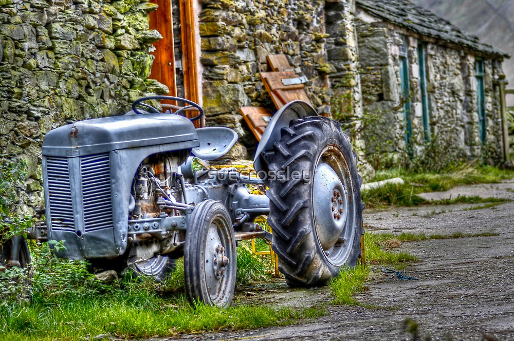 Old Tractor by suecrossley