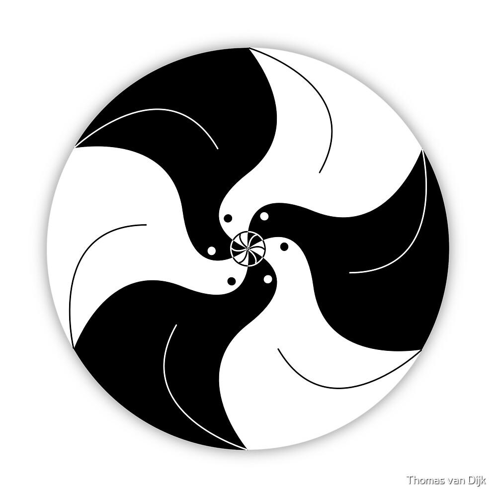 Pigeon circle in black and white by Thomas van Dijk
