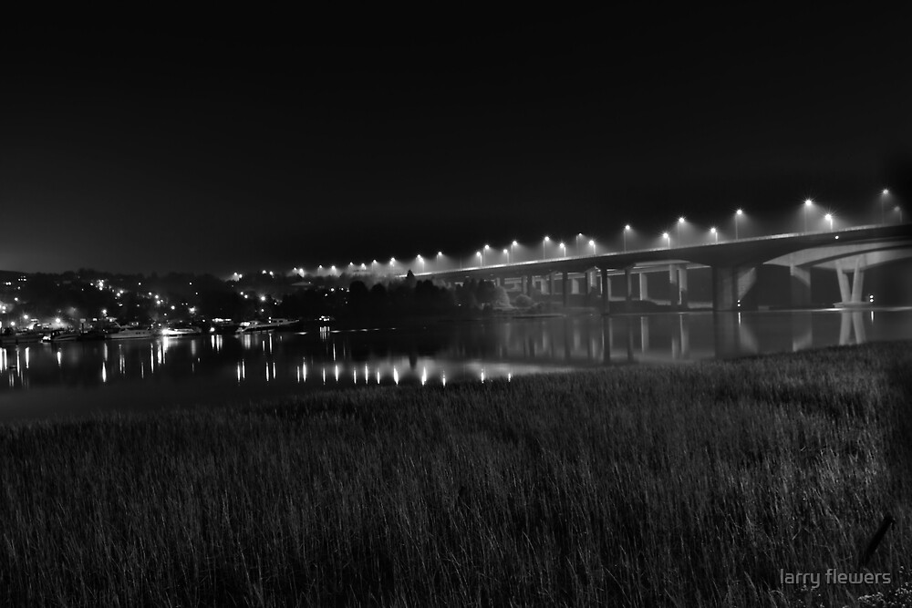 Medway at midnight B/W by larry flewers