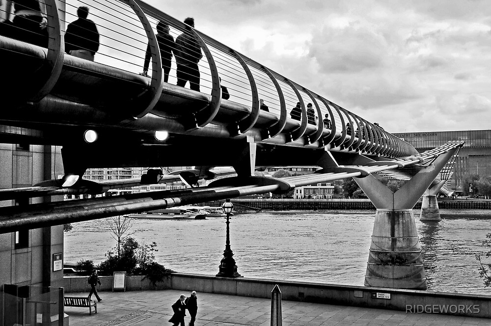 Millennium Bridge Crossing by RIDGEWORKS