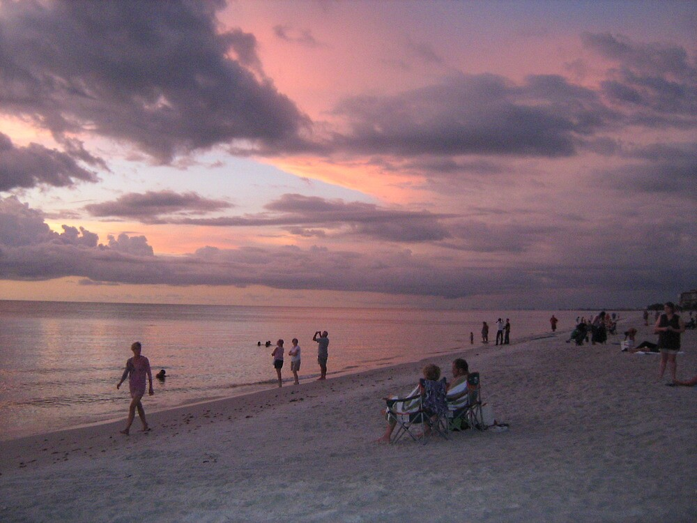 watching the sunset by ceciperu