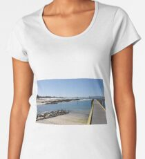 Mallacoota Bastian Point Boat Ramp Premium Scoop T-Shirt