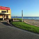 Wollongong Beach by Bryan Cossart