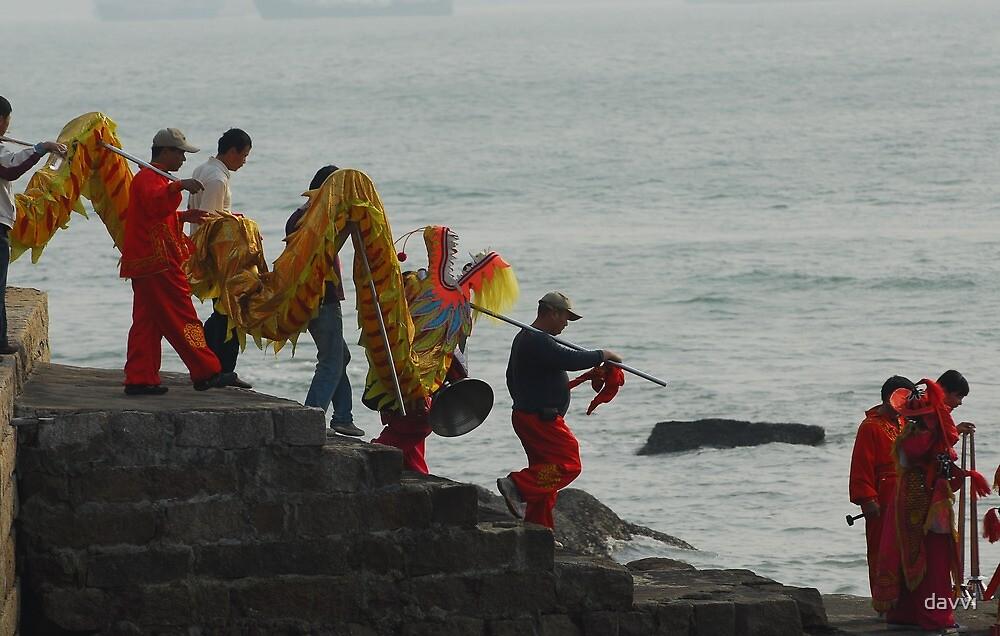 dragon went into sea by davvi