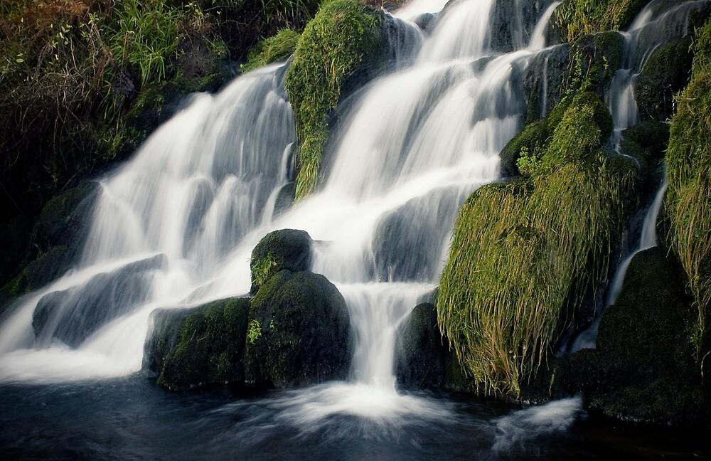 Waterfall by silvietti