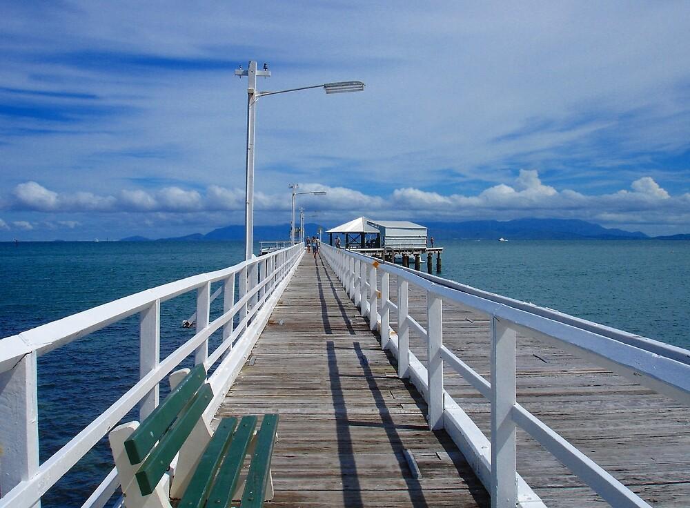 Picnic Bay Jetty by lulu64