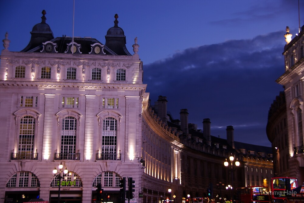 London by night by Tammy Hale