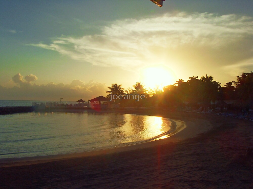 sunrise runaway bay by joeange