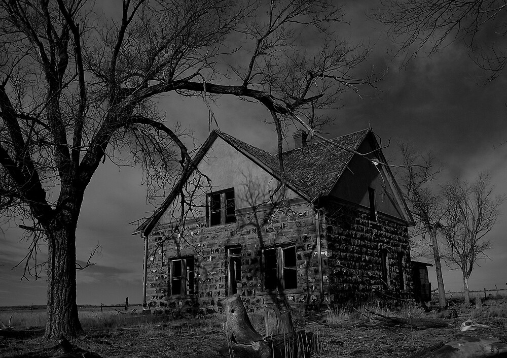 Ghost House  by 2oceans1