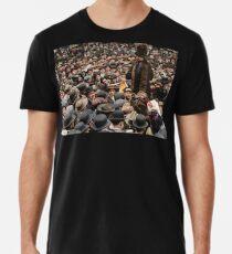 British Suffragette Emmeline Pankhurst addressing crowd on Wall Street, New York in 1911 Premium T-Shirt