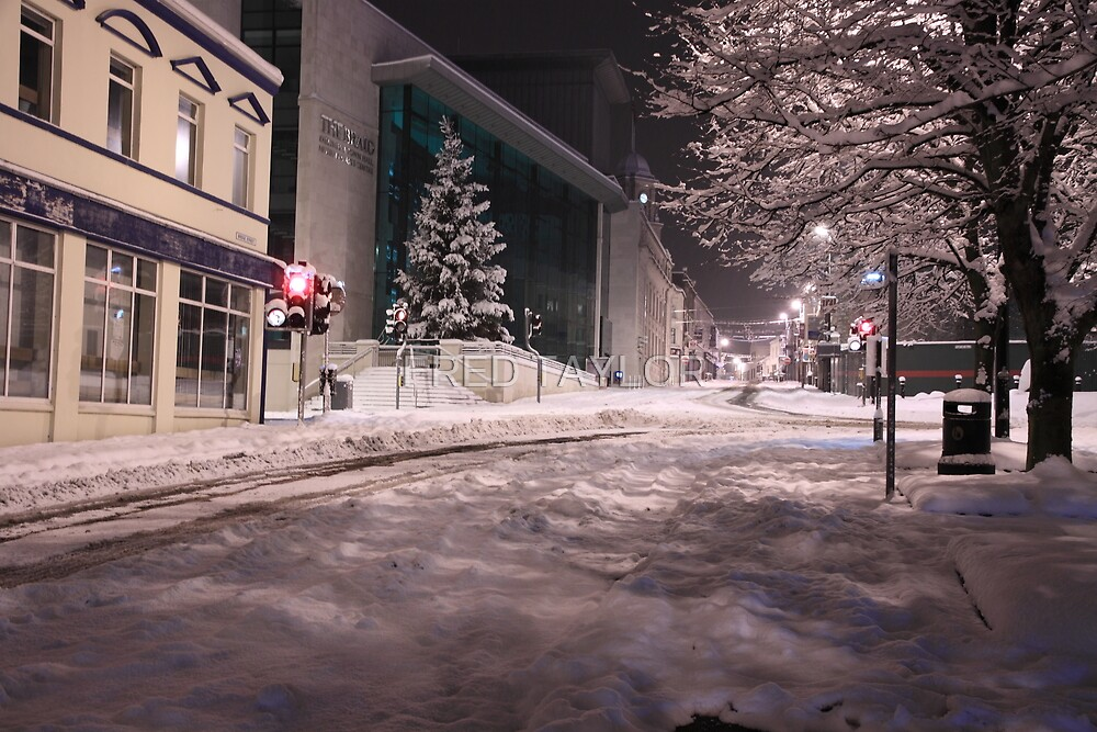 Ballymena town at night. by FRED TAYLOR