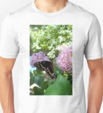 Giant Swallowtail Butterfly in profile Unisex T-Shirt